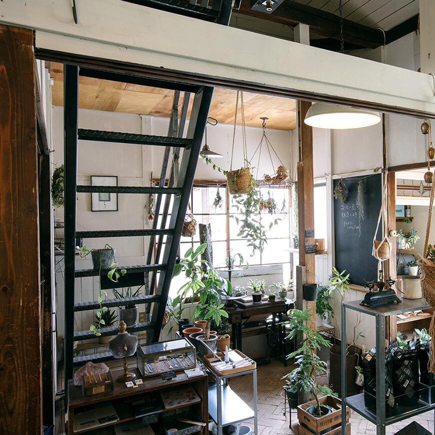 MOPTOP施工事例 POUND オリジナルの鉄製階段