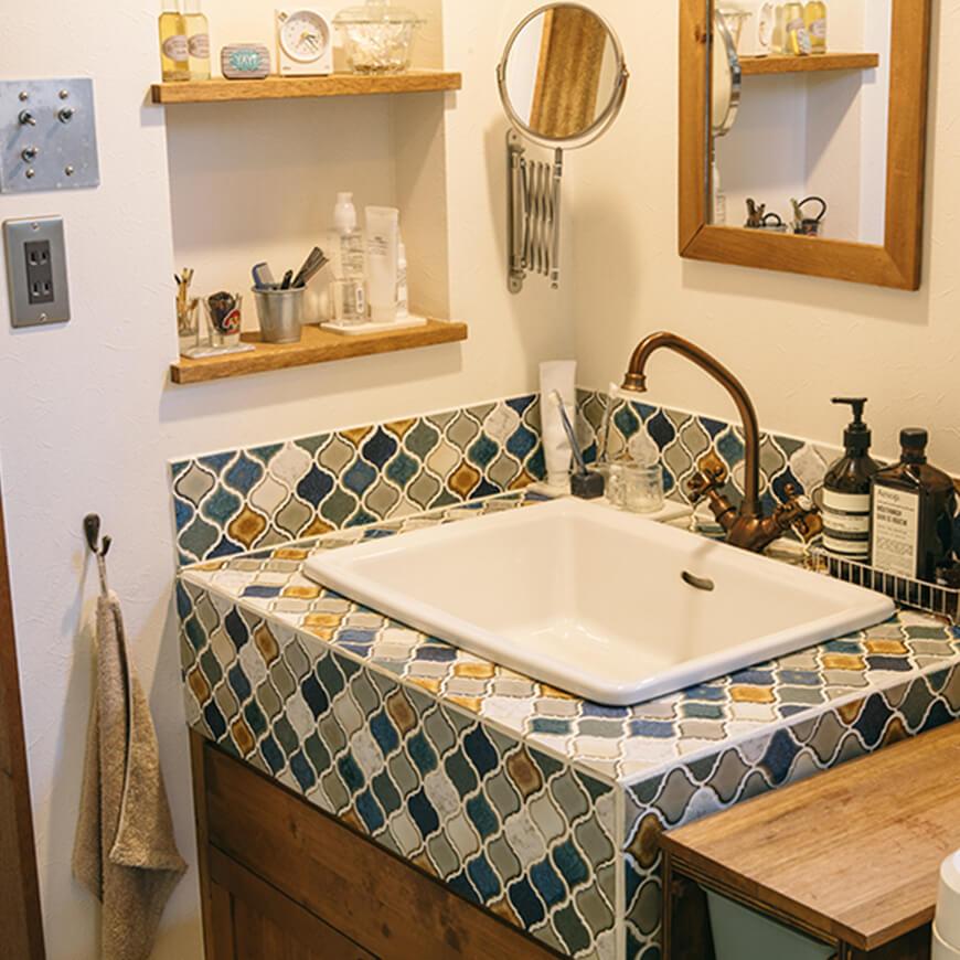 MOPTOP施工事例 木村亭 可愛いタイルの洗面台