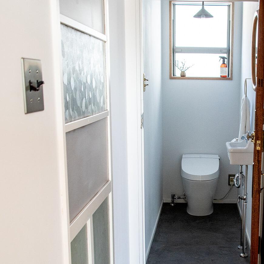トイレはシンプルに仕上げました