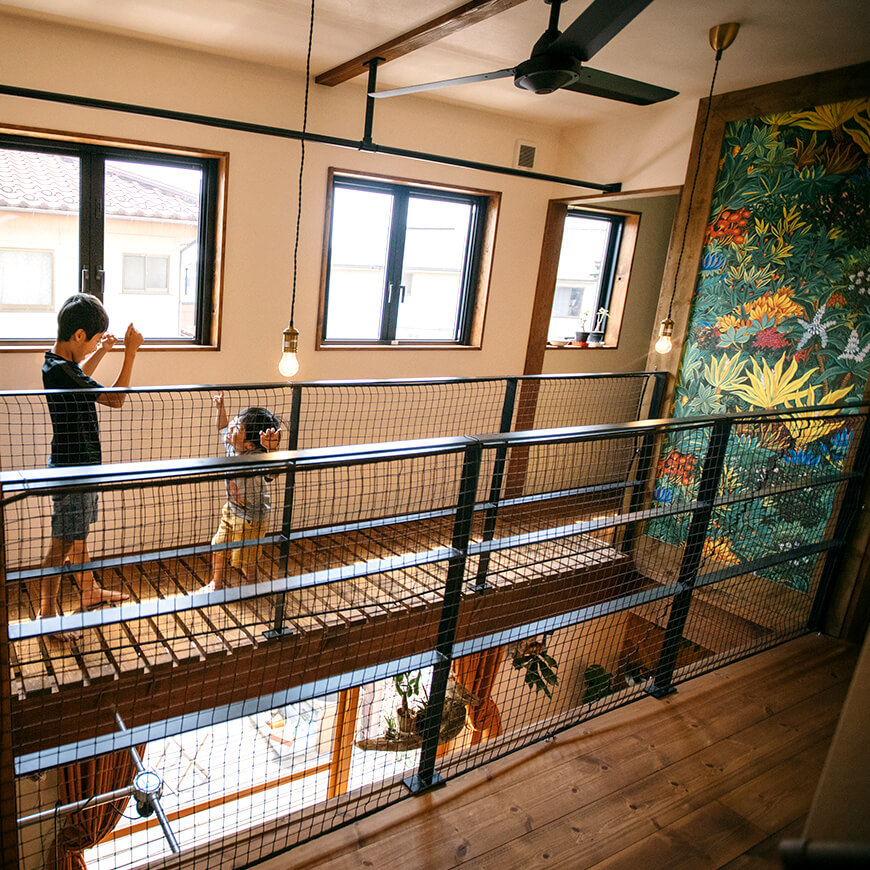 MOPTOP施工事例 西坂家 まるでアート作品のような壁紙